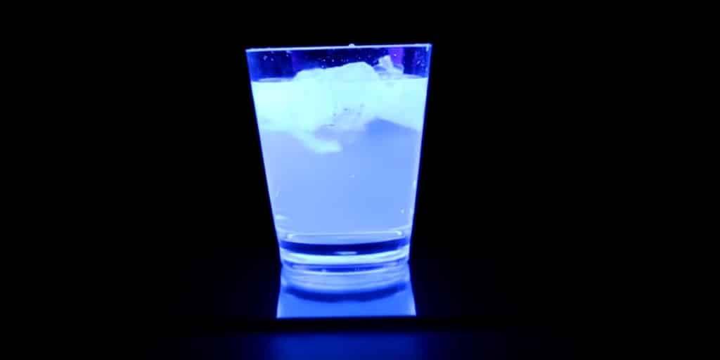 Gin Tonic Schwarzlicht