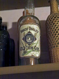 Old Tom Gin Flasche